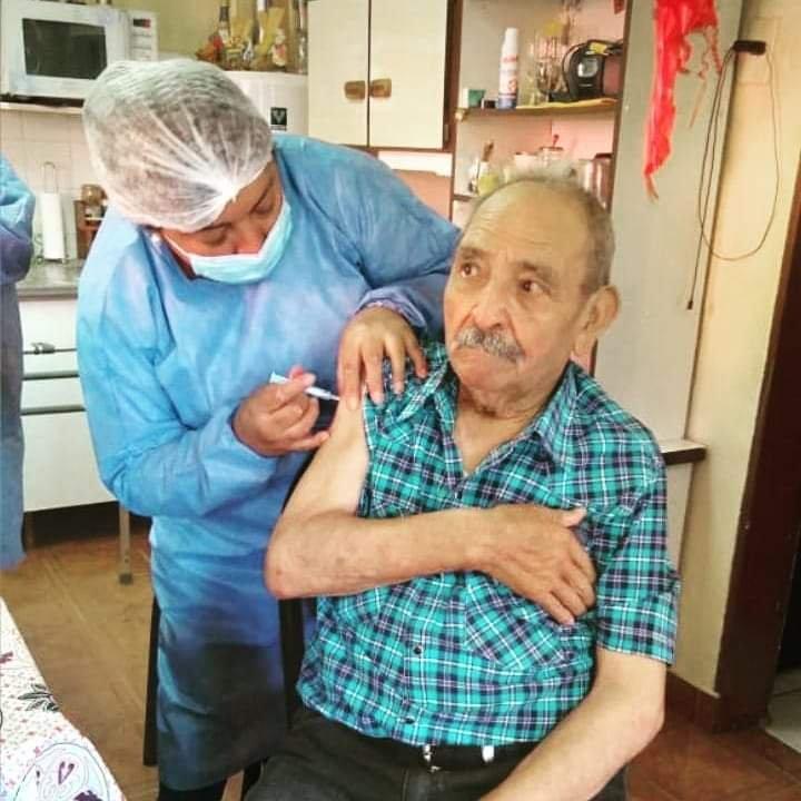 Comenzó la Vacunacion para Mayores de 90 Años!